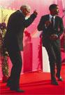 НА ОТКРЫТИИ МОСКОВСКОГО МЕЖДУНАРОДНОГО КИНОФЕСТИВАЛЯ ЕГО ПРЕЗИДЕНТ НИКИТА МИХАЛКОВ  не выдержал и пустился в пляс вместе с голливудским актером Уиллом Смитом