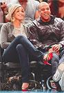 ЗА ГОД ПОП-ЗВЕЗДА БЕЙОНС НОУЛС И РЭППЕР ДЖЕЙ-ЗИ ПОЛОЖИЛИ В СЕМЕЙНУЮ КОПИЛКУ 162 миллиона долларов — в пять раз больше, чем самые знаменитые в мире супруги Брэд Питт и Анджелина Джоли