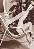 Продав снимки Мэрилин Монро, фотограф Фрэнк Ворз мог стать миллионером, однако он умел дорожить дружбой и потому умер, не имея за душой ни цента